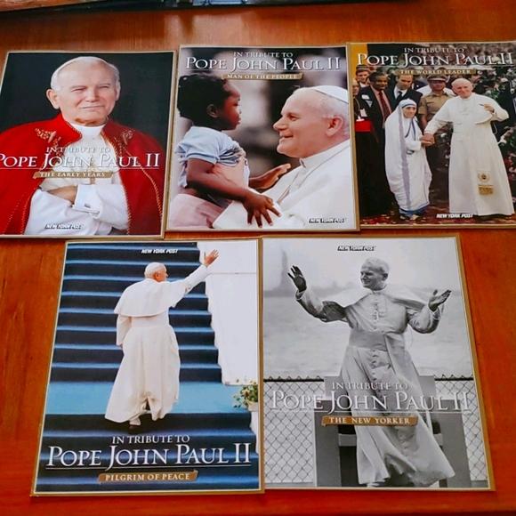 Complete Memorial Set of Pop John Paul II Magazine